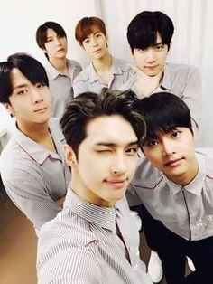 Los 6 miembros mas guapos  Vixx