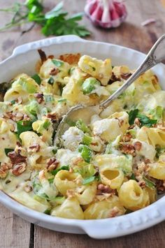 Gratin of leeks, chorizo, pasta and Ricotta - Recette Gratin de pâtes poireaux, chorizo et Ricotta I Love Food, Good Food, Yummy Food, Pasta Recipes, Cooking Recipes, Healthy Recipes, Food Porn, Salty Foods, Stop Eating