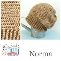 Tunella's Geschenkeallerlei präsentiert: das ist Norma, eine geniale gehäkelte Haube/Mütze aus einer Alpaka/Wolle/Acryl-Mischung - du kannst dich warm anziehen, dank sorgfältigem Entwurf, liebevoller Handarbeit und deinem fantastischen Geschmack wirst du umwerfend aussehen #TunellasGeschenkeallerlei #Häkelei #drumherum #Beanie #Pudelhaube #Haube #Mütze #Alpaka #Wolle #Norma