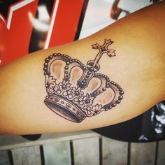 Popularity Of Crown Tattoos Among Tattoo Lovers