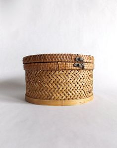 Vintage Round Wicker Box / Hat Box / Sewing Box by... — http://www.wickerparadise.com