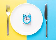 This Is How Intermittent Fasting Improves Your Brain - The Best Brain Possible Intermittent fasting has many health benefits, but it is especially good for your brain. Here's the science behind why that is. #brain #IF #fasting #health #diet #food #mentalhealth #depression #anxiety Healthy Brain, Brain Food, Brain Health, Mental Health, Health Diet, New Energy Source, Nmda Receptor, Ketone Bodies, Fat For Fuel