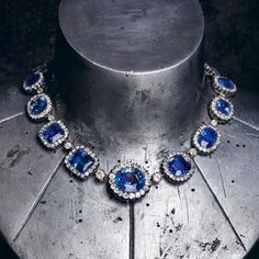 The Duchess of Trevise's necklace, made by Joseph Chaumet in 1904. Gold, silver, diamonds and saphirs