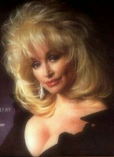 Résultat d'images pour Dolly Parton Hot Dolly Parton Costume, Dolly Parton Quotes, Dolly Parton Pictures, Female Movie Stars, Actrices Hollywood, Hello Dolly, Big Hair, Country Music, Country Singers