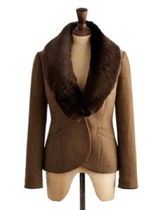 Joules Womens Fur Collar Tweed Jacket, Chestnut Chevron.                     Cut some real country dash in this single handmade embossed button tweed jacket.  Complete with a sumptuous detachable faux fur collar and in chevron tweed with a velvet trim it's a timeless classic.