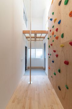 adhouse(アドハウス)の実例情報 | ハウジングこまち | Housing komachi Play Spaces, Kid Spaces, Rustic Girls Rooms, Lofts, Dream Home Design, House Design, Indoor Climbing Wall, Indoor Playground, Kids House