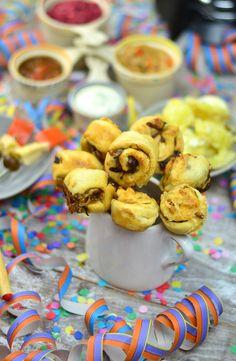 Silvester Fondue Abend mit Dips, Kartoffelsalat, Pinwheel Pops & guter Musik   Das Knusperstübchen Bbq Grill, Grilling, Dips, Feta, Pinwheels, Curry, Cereal, Cookies, Breakfast