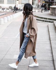 Photo @junesixtyfive #womanslook пальто Oversized Wool Coat #hm кроссовки Classic #reebok