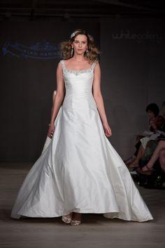 Jennifer Wedding Dress – Alan Hannah White Gallery 2011 Collection