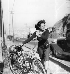 When Orkin was 17 she wanted to see the 1939 World's Fair that was in New York City. She somehow managed to convince her parents to allow her to bicycle across the country. She hitch-hiked for the long distances, but ended up biking over 2000 miles through the big cities, and took many memorable photos everywhere she went.