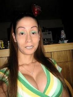Some of these worst eyebrows ever are drawn on, some are shaped or cut that way they are, but all of them are certainly poor decisions or at least a mistake. Seen any eyebrows that looked worse than these? Bad Makeup, Eyebrow Makeup, Makeup Fail, Bad Plastic Surgeries, Plastic Surgery, Crazy Eyebrows, Worst Eyebrows, Eye Brows, Eyebrows