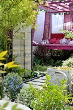 http://perdereau.photoshelter.com/image/I0000Umd2U73IrwE