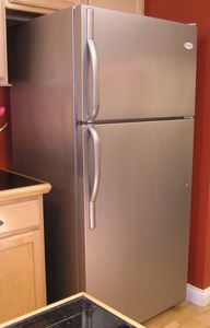 DIY: How To Paint Your Kitchen Appliances, Hardware and Bathroom Fixtures, Including Shower Stalls - update your fixtures using Thomas Liquid Stainless Steel at a fraction of the cost of buying new. This post has everything you need to know about using Layout Design, Painting Appliances, Stainless Steel Paint, Condo, Paint Stain, Bathroom Fixtures, Diy Furniture, Steel Furniture, Home Projects
