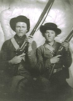 Daniel S. Stallings (left) and William Everett Musgrave (right), Co. F, 23rd Tennessee Infantry