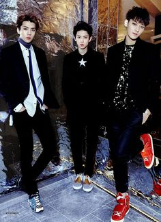 EXO really look suave here... I love those shoes Tao!  Left to right, Sehun, Chanyeol and Tao