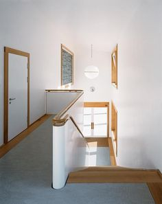Joos & Mathys - School extension, Andeer Via wa,. Architecture Details, Interior Architecture, Interior And Exterior, Interior Design, World Of Interiors, Modern Spaces, Wall Lights, Warm, Furniture