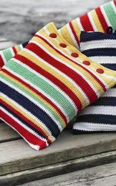 68 Ideas For Crochet Pillow Cover Button Crochet Home, Love Crochet, Crochet Granny, Crochet Crafts, Crochet Baby, Crochet Projects, Knit Crochet, Crochet Cushion Cover, Crochet Pillow Pattern