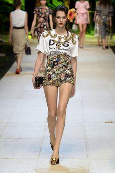 Dolce & Gabbana | Ready-to-Wear Spring 2017 | Look 62