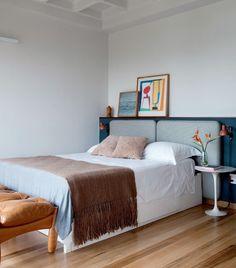 """4,412 Likes, 13 Comments - Casa e Jardim (@casaejardim) on Instagram: """"O apartamento da designer de interiores Daniela Berland, sócia do escritório Díptico Design de…"""""""