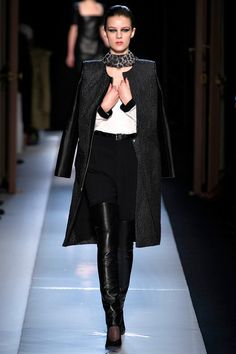 Roland Mouret Fall 2013 Ready-to-Wear Collection Slideshow on Style.com