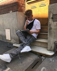 ideas for style street casual men streetwear Street Casual Men, Men Casual, Indie Outfits, New Outfits, Skate Outfits, 80s Fashion, Trendy Fashion, Fashion History, Estilo Indie