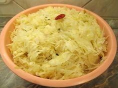 Savanyú káposzta - ízletes ételek alapanyaga - Háztartás Ma Cabbage, Vegetables, Food, Essen, Cabbages, Vegetable Recipes, Meals, Yemek, Brussels Sprouts
