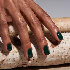 Suitable For Everyday Natural Nails Ideas - Page 5 of 9 - Vida Joven - Dark green nails - Dark Green Nail Polish, Dark Green Nails, Dark Nails, Dark Color Nails, Shellac Nails, Nail Manicure, Toe Nails, Toe Nail Polish, Minimalist Nails