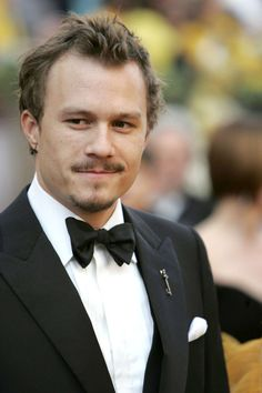Ugh Heath was insanely talented and such a hottie... I sure hope you're resting in peace...