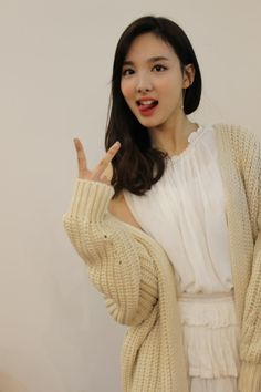 Look at this fresh and cute look of NAYEON ♪ Are you sure you won't fall into her? Kpop Girl Groups, Korean Girl Groups, Kpop Girls, Twice Jyp, Twice Once, K Pop, Bae, Sana Momo, Nayeon Twice