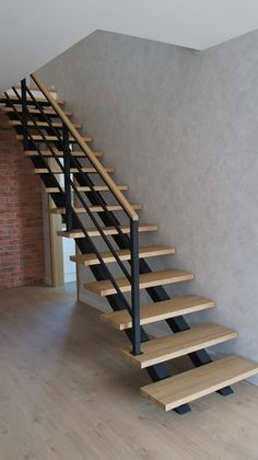 Staircase Design Modern, Spiral Stairs Design, Home Stairs Design, Modern Stairs, Dream Home Design, Interior Stair Railing, Stair Railing Design, House Roof Design, Home Entrance Decor