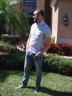 More casual spring style with lightwash denim. Shirt by Express. Jeans by J. Crew. Sneakers by UO. Sunglasses by Ralph Lauren.