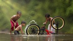 Everyday Lives Of Villagers In Indonesia Captured In Heartwarming Photos Village Photography, High Speed Photography, Children Photography, Friendship Photography, Naughty Kids, Indian Photoshoot, Foto Baby, Precious Children, Photography Projects