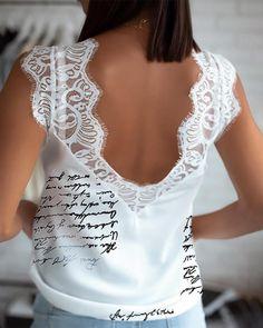 Top con estampado de letras de encaje Eyealsh Online. Discover hottest trend fashion at chicme.com Trend Fashion, Amazing Women, Neckline, Sexy, Latest Styles, T Shirt, Lace Trim, Clothes, Pink White