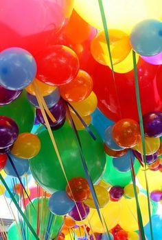 A Rainbow of Balloons Taste The Rainbow, Over The Rainbow, World Of Color, Color Of Life, Viva Color, Bubble Balloons, Rainbow Balloons, Helium Balloons, Love Balloon