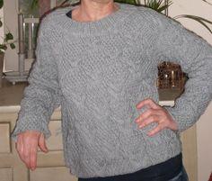 pour Lojox Sweatshirts, Sweaters, Fashion, Knits, Moda, Fashion Styles, Trainers, Sweater, Sweatshirt
