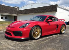 Alan Coleman has owned many Porsche automobiles, most of which were upgraded with a set of custom made-to-order Forgeline wheels! His latest is this 2015 Cayman GT4 on 20x9/20x11 GX3R wheels finished with Race Gold centers, Polished outers, & bolt-on with Competition Center Caps! See more at: http://www.forgeline.com/customer_gallery_view.php?cvk=1695 #Forgeline #GX3R #notjustanotherprettywheel #madeinUSA #Porsche #Cayman #GT4