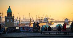 Dieser Guide enthält die besten Hamburger Insider Tipps - wie z.B. diese wunderschöne Aussicht auf den Hafen!