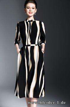 Knielanges Sommerkleid in Schwarz Weiß