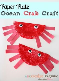These Paper Plate Ocean Crab Craft is a fun kids craft perfect for summer time or for an ocean theme lesson! - abccreativelearning.com