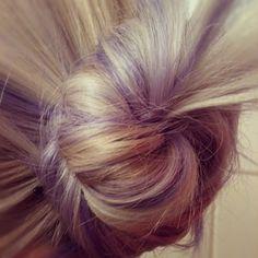 purple highlights in blonde hair Lavender Hair, Lilac Hair, Blonde Hair With Highlights, Lilac Highlights, Purple Streaks, Purple Dye, Hair Game, Pony Hair, Dream Hair