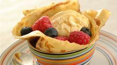 MatPrat - Lune pannekaker med is og bær