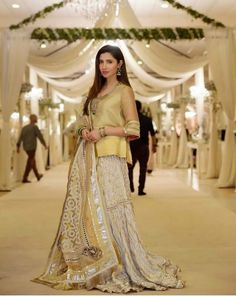 Mahira khan Wedding Day Wedding Planner Your Big Day Weddings Wedding Dresses Wedding bells Makeup Mahira Khan Dresses, Shadi Dresses, Pakistani Formal Dresses, Pakistani Wedding Outfits, Indian Dresses, Eid Dresses, Desi Wedding Dresses, Party Wear Dresses, Mayon Dresses