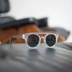 Komono Dreyfuss Metal Clear/Silver güneş gözlüğü ile farkını belli et  #parfara #sunglasses #komono #güneşgözlüğü