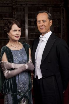 Elizabeth McGovern and Richard E. Grant in Downton Abbey