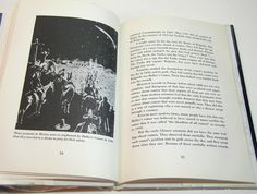 Halley's Comet By Norman D. Anderson And Walter door BountifulBooks. Image: frightened Mexicans