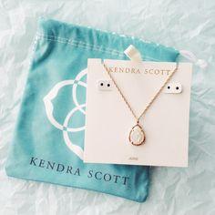 Kendra Scott necklace- love this! Cute Jewelry, Jewelry Box, Jewelry Accessories, Jewlery, Dainty Jewelry, Kendra Scott Necklace, Body Chains, Diamond Are A Girls Best Friend, Bracelet
