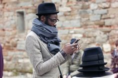 STREET STYLE: photo by Karl Edwin Guerre #streetstyle #fashion #hats #hat