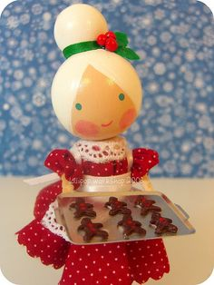 lollipop workshop mrs. claus & her cookies  she's got a warm batch of gingerbread cookies waiting just for you!