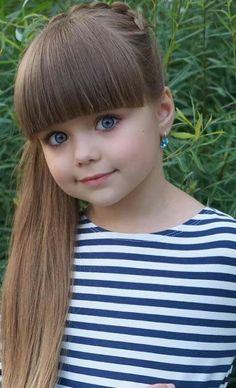 CHE - Google+ Little Girl Models, Cute Little Girls Outfits, Cute Little Baby, Cute Baby Girl, Child Models, Cute Babies, Pretty Kids, Beautiful Little Girls, The Most Beautiful Girl