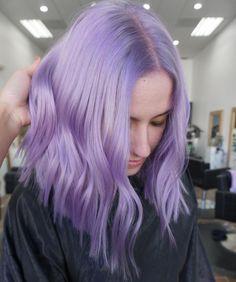 Pastel Purple Hair, Lavender Hair Colors, Light Purple Hair, Hair Color Purple, Hair Dye Colors, Light Hair, Hair Color Streaks, Hair Highlights, Pelo Color Morado